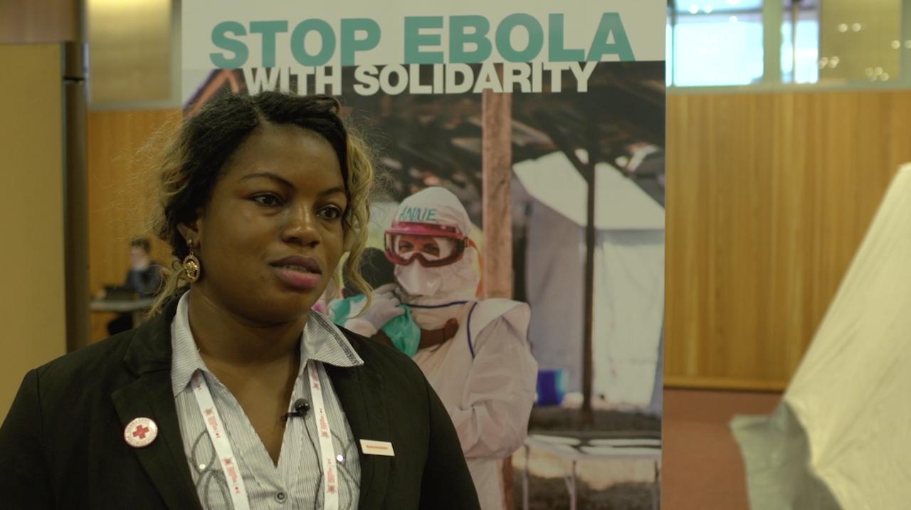 20151205-ebola-volunteer